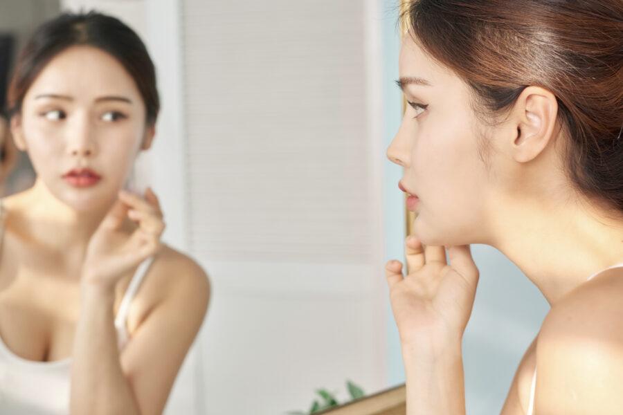 女性が口角下制筋を鍛えるべき理由!簡単にできる鍛え方やマッサージ法