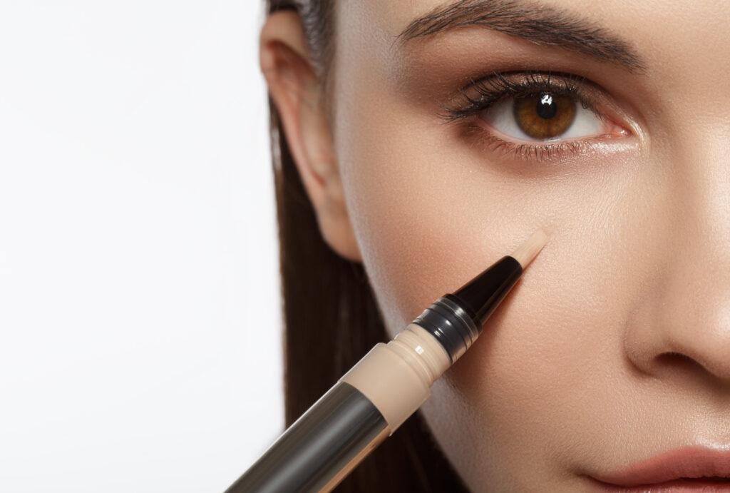 ニキビ跡は化粧品でケアできる?ニキビ跡の原因と正しいケア方法-6