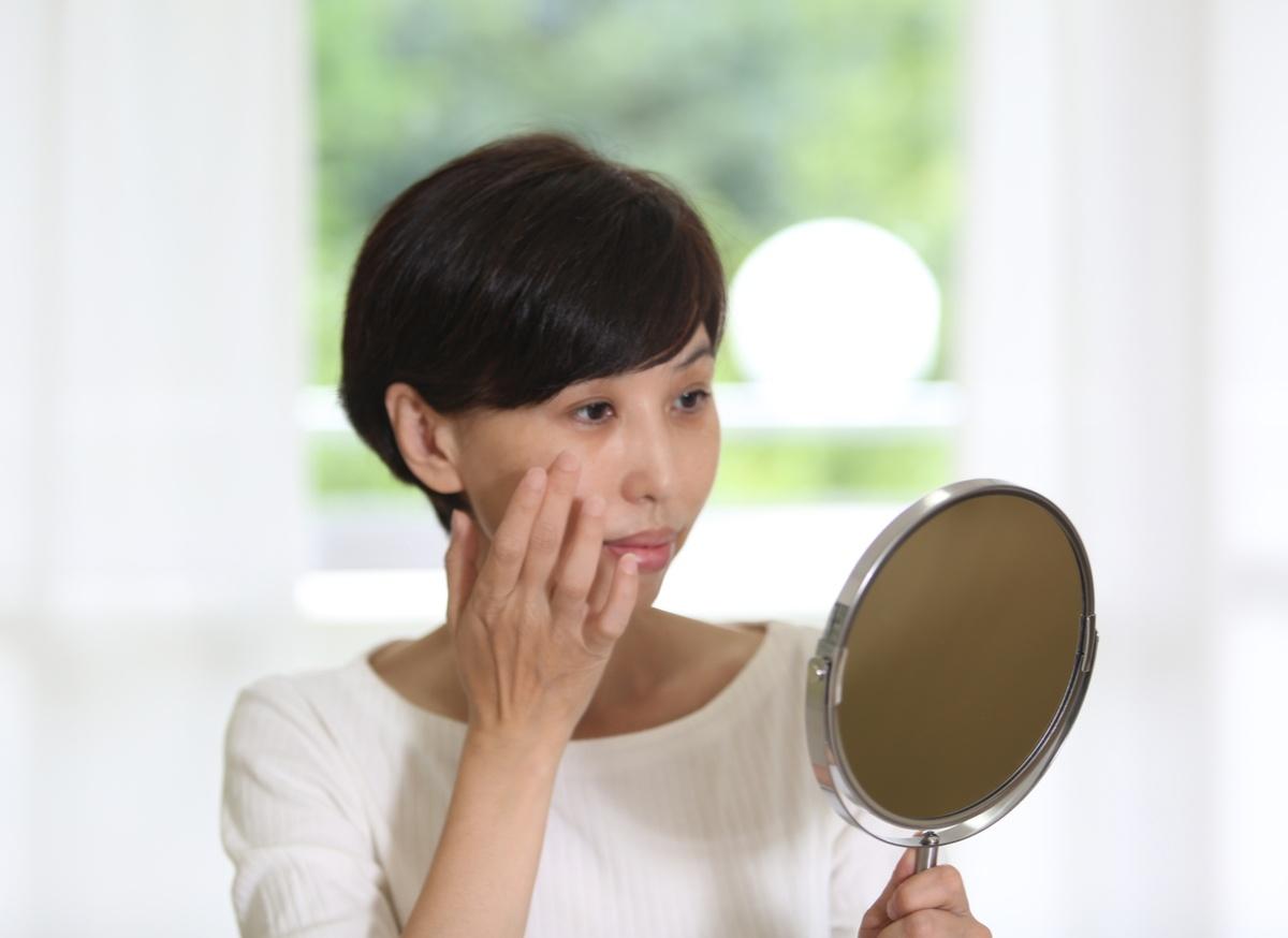 肝斑の原因はホルモンバランスの乱れ?治療法や予防法を徹底解説!-2