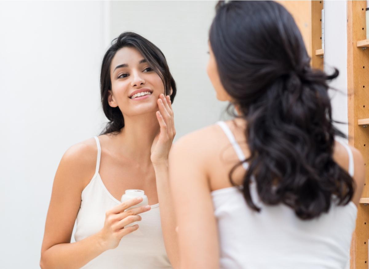 肝斑の原因はホルモンバランスの乱れ?治療法や予防法を徹底解説!-7