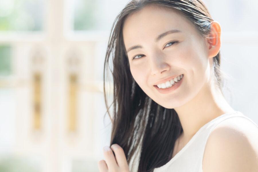 エイジングケアとは?何歳から始めるべき?化粧品選びのコツやおすすめのケアを紹介!